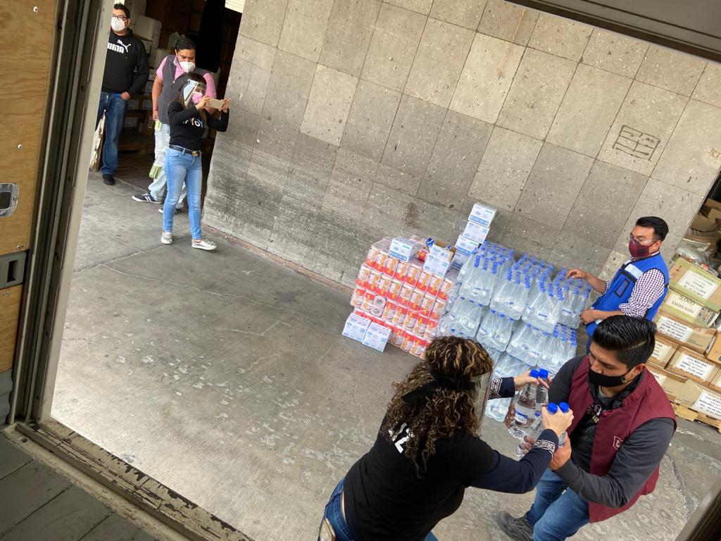 ENTREGA VOLUNTARIADO DE LA SECRETARÍA DEL TRABAJO DONATIVOS A HOSPITALES DEL VALLE DE TOLUCA