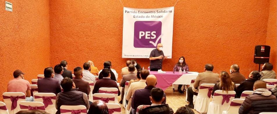 ISIDRO PASTOR SE REUNE CON CANDIDATOS A DIPUTADOS DE LOS DISTRITOS 1 Y 2 DE TOLUCA